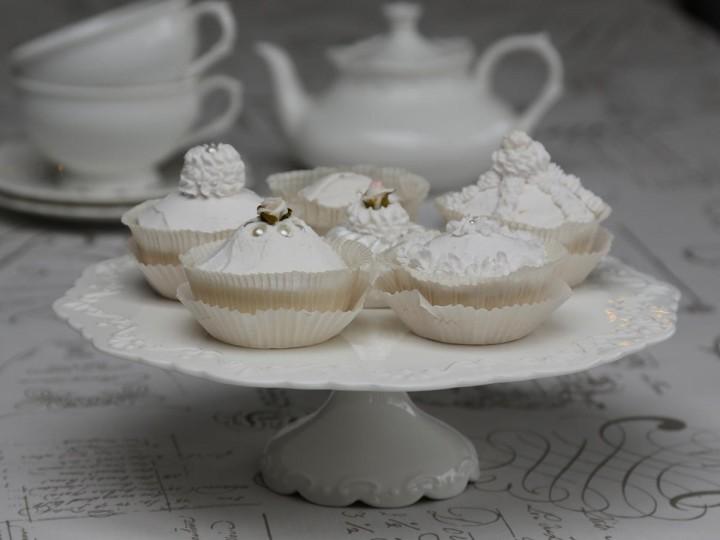 Vackert tårtfat i porslin Provence Ø28 cm