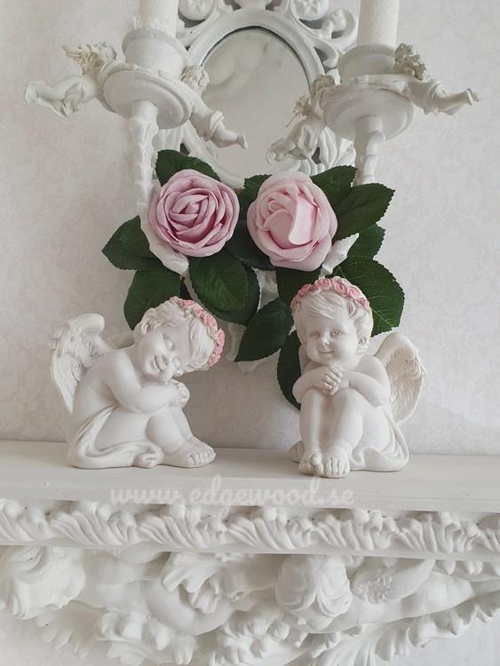 Sittandes änglar med rosor- Par