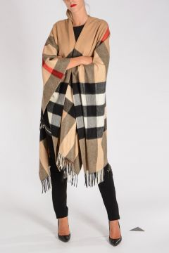 LONDON ENGLAND Poncho in Cashmere