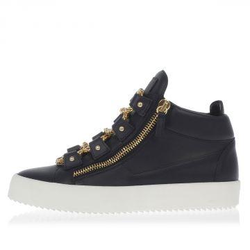 Sneakers in Pelle con Dettagli Oro