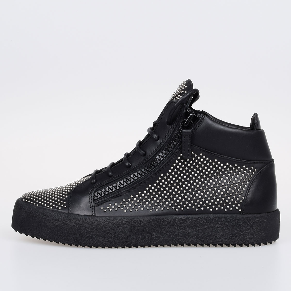 da44413386ca Giuseppe Zanotti Men MAY LONDON Studded Leather Sneakers - Glamood ...