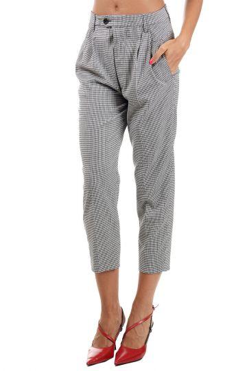 Pantaloni Capri con Pinces