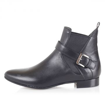 Leather ankle boots with strap