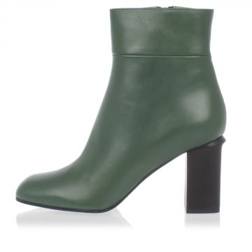 Leather ankle Boots with heel