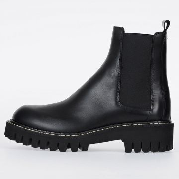 MM22 Leather Chelsea Boots