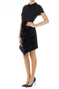 Short sleeved dress with velvet inserts