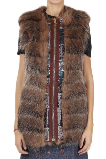 Real fur sleeveless jacket