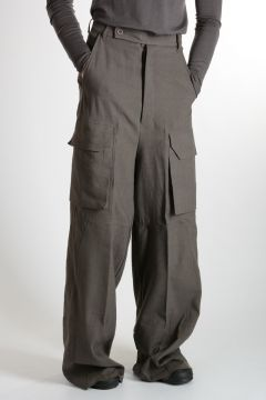 Pantaloni FIRBANKS TROUSERS WITH FLAT CARGO in Lana Vergine e Lino DARK DUST
