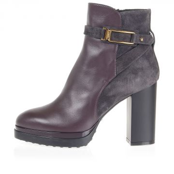 Leather heeled ankle boots with hook
