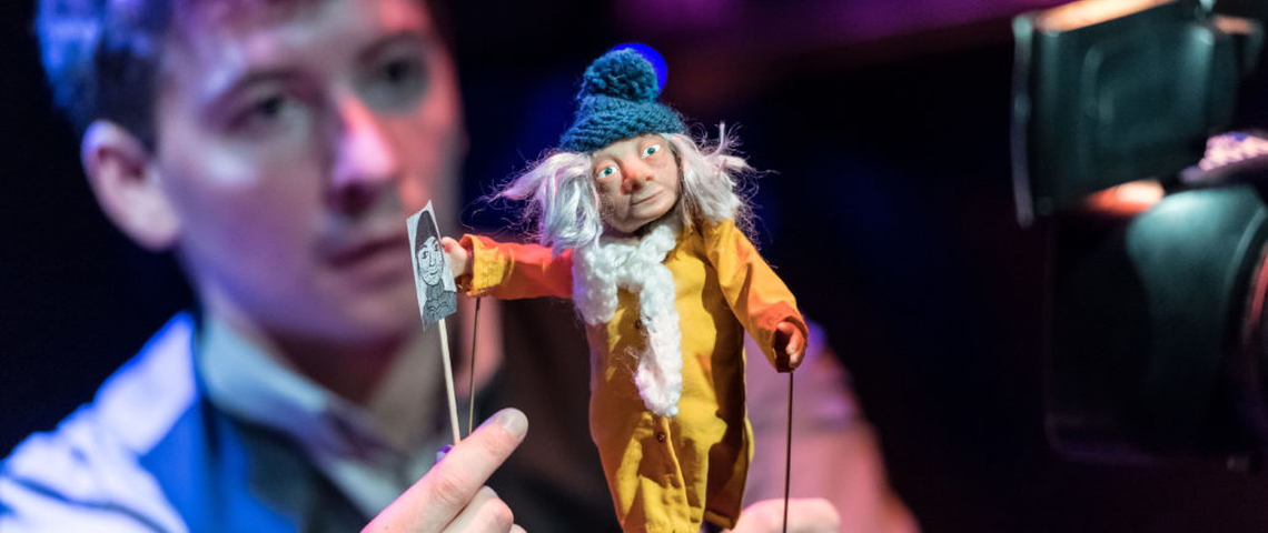 Sam-Clark-Puppeteer-and-Devisor-and-Hilda-The-Missing-Light-at-The-Old-Vic.-Photo-by-Manuel-Harlan-2-1030x687
