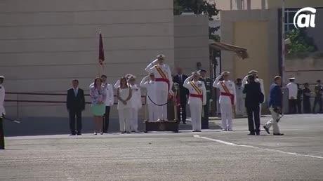 El Rey preside la entrega de Reales Despachos a los nuevos sargentos