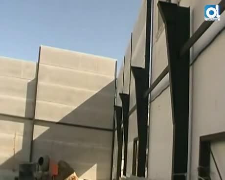 La alcaldesa visita las obras del pabellón cubierto del colegio San José de Calasanz