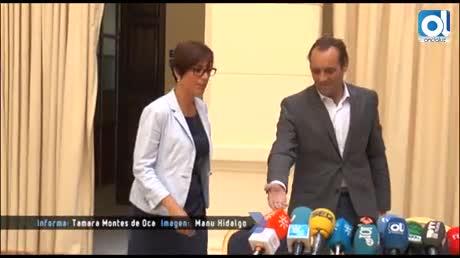 El líder de Ciudadanos, Juan Cassá, no inclina su balanza mientras acerca posturas con el PSOE y María Gámez