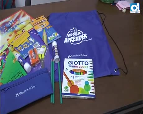 La Fundación la Caixa dona 400 lotes de material escolar para familias desfavorecidas