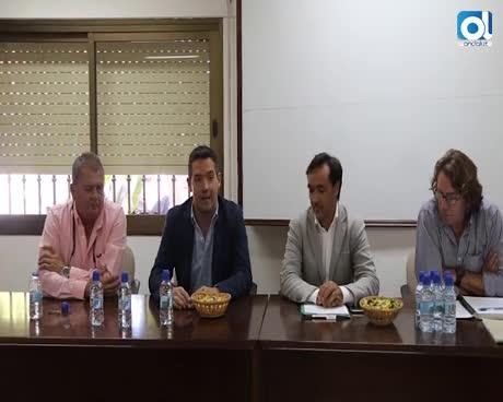 La Comunidad de Regantes acoge la presentación del nuevo delegado territorial de Agricultura y Pesca