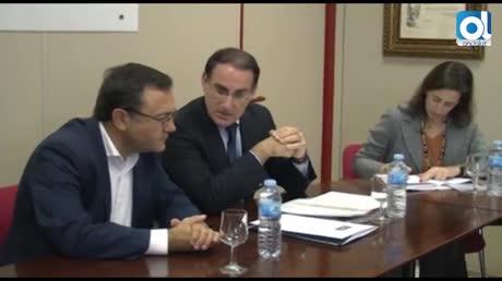 """Heredia defiende ante los empresarios que el PSOE """"tiene las ideas claras"""" para crear empleo en Málaga"""