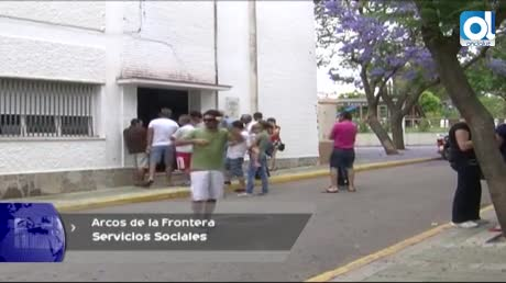 Gambín firma las ayudas de 2015 para las familias humildes