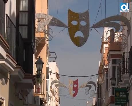 Las calles del centro comienzan a lucir el alumbrado y decoración de Carnaval