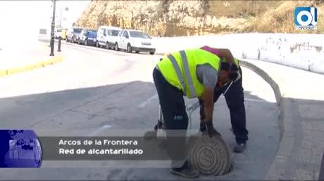 Trabajos de desinsectación en la red pública de alcantarillado