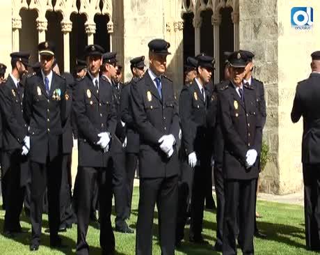 Los Claustros han acogido el acto institucional del Día de la Policía