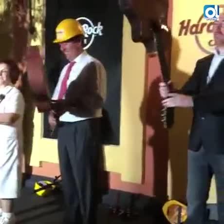 Hard Rock café Sevilla celebra su fiesta de inauguración por lo alto