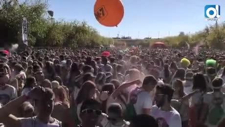 "13.000 ""color-runners"" recorren la Isla de la Cartuja"
