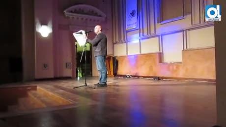 El humorista Luis Lara 'inundó' de risas el Auditorio de la Merced