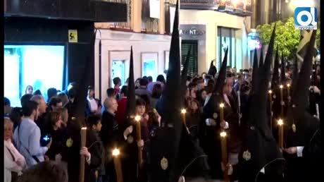La Mortaja procesionó a la caída de la noche