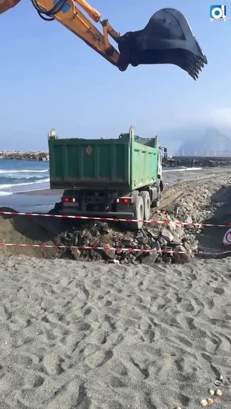 Verdemar denuncia el vertido de residuos en la playa de la Atunara