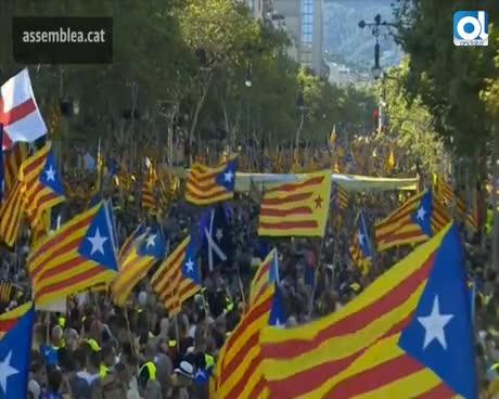 Miles de personas se suman a la marcha independentista en Barcelona