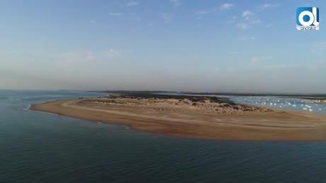 La Playa de Camposoto consigue su cuarta Bandera Ecoplayas seguida