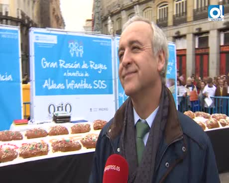 Aldeas Infantiles reparte 10.000 raciones de roscón en Madrid