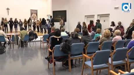 Un centenar de mujeres acuden al casting de la Pasarela Flamenca