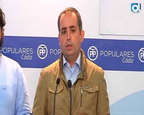 """La sede provincial del PP es """"atacada"""" con pintadas de color morado"""