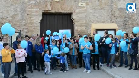 Sanlúcar se tiñe de azul en el Día Mundial del Autismo