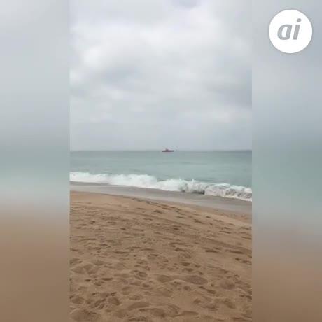 Graban la llegada de una patera a la Playa de Mangueta en Zahora