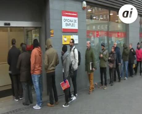 Rajoy se va tras bajar el desempleo en mayo en 83.738 personas
