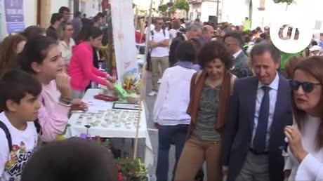 Más de 1.100 estudiantes se dan cita en la Feria del Emprendimiento