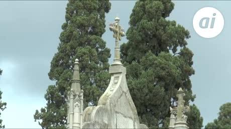 Los cierres del crematorio del cementerio encienden a la oposición
