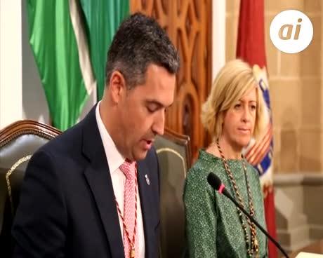 Este viernes se entregó la Medalla de Plata al poeta Antonio Murciano