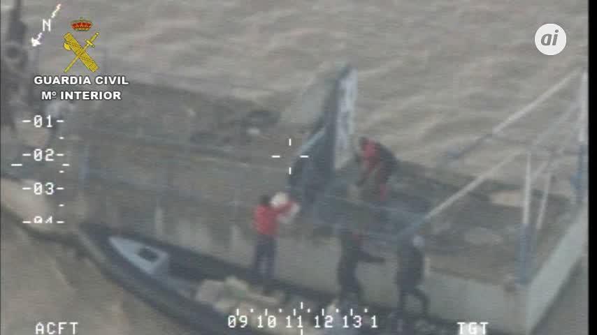 Tres detenidos con seis toneladas de hachís en el río Guadalquivir