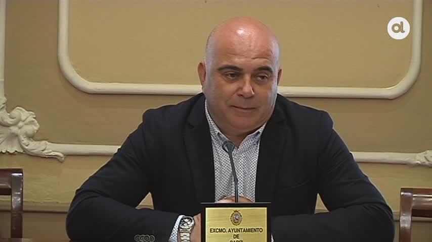 Denuncia conjunta por los pagos al director de la tesis de Romaní
