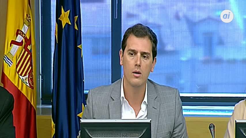 Rivera acusa a Sánchez de engañar a los españoles