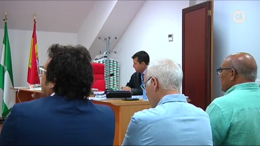 El alcalde declara que Teófila Martínez mintió