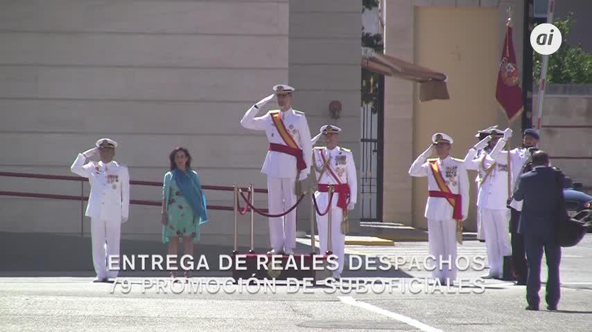 Felipe VI entrega despachos a 178 nuevos sargentos de la Armada