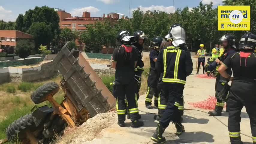Muere un trabajador de 50 años tras caer por un terraplén en Madrid