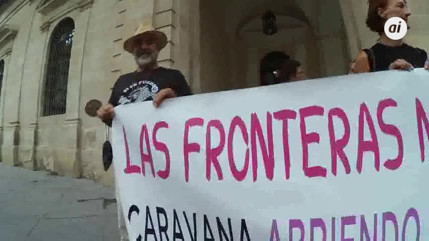 Una caravana abre fronteras desde Sevilla hasta Italia