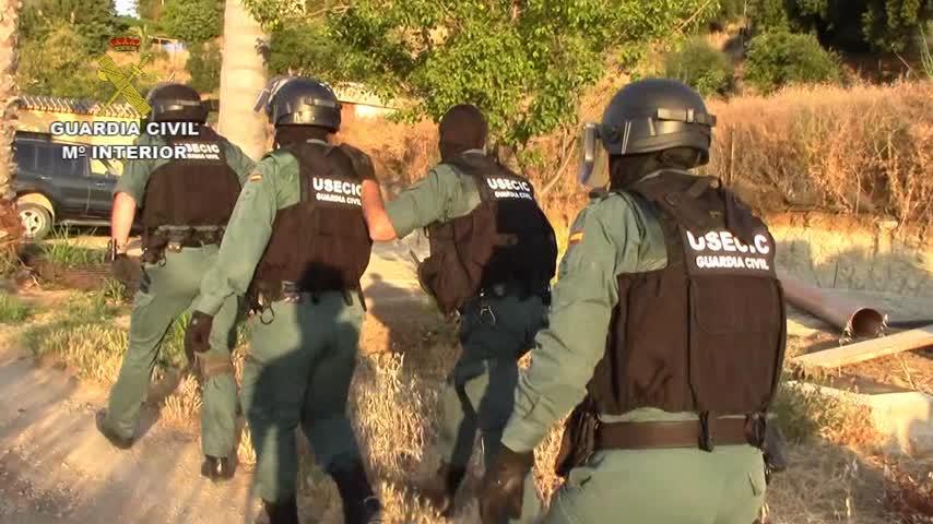 Once detenidos de una red que transportaba droga para otros clanes