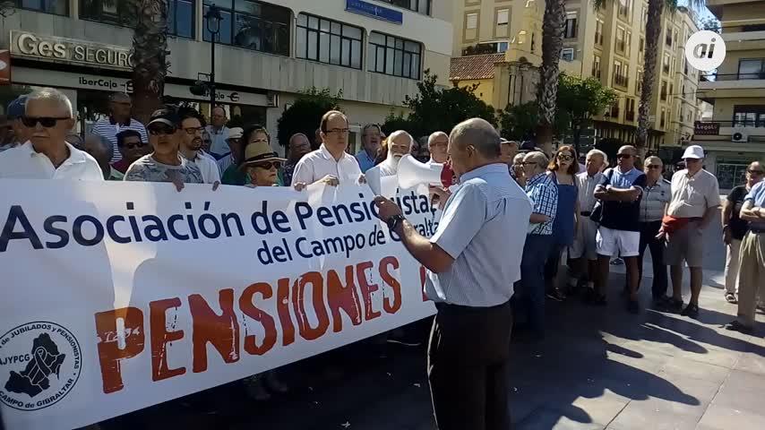 Los pensionistas salen de nuevo a la calle en Algeciras