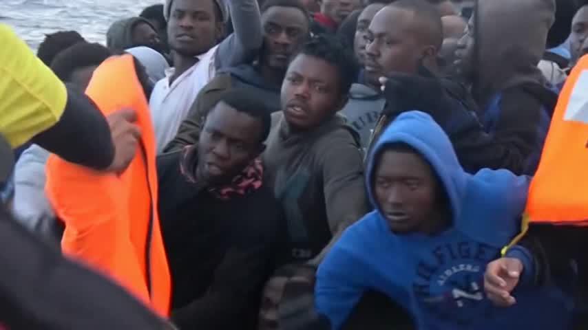 El Gobierno italiano confirma la acogida de 20 migrantes del Aquarius